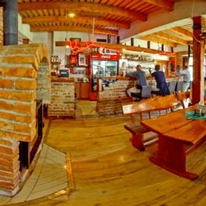 tehelna pub
